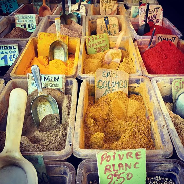 Friday market in Paris with North African spieces #annesgademad #jagtenpådengodesmag #inspiration