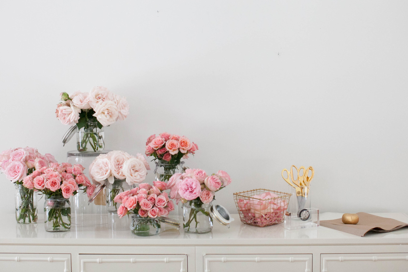 Whether a midsummer soirée or a bridal shower (or any kind of get-together, really) we simply  adore  the idea of a  DIY Bouquet Bar  for guests to create their own party favours to enjoy after the festivities have ended . . .