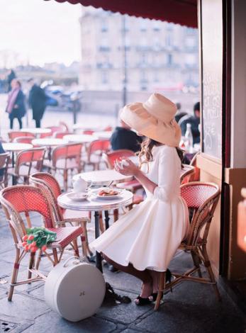 05-Le Secret D'Audrey-This Is Glamorous.png