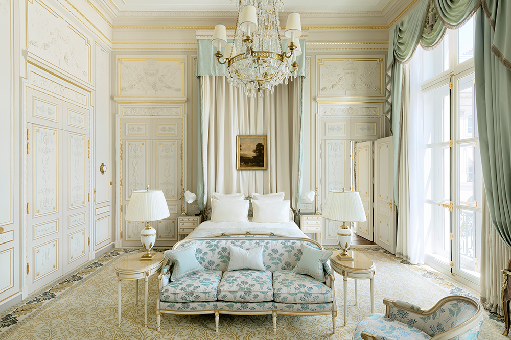 More photos of the beautiful  Ritz in Paris, (see previously  here & here ) have arrived, this time, by Vincent Leroux as seen in Architectural Digest France -- scroll through for a glimpse of chintz and gilded walls, crystal chandeliers and trellis gardens . . .