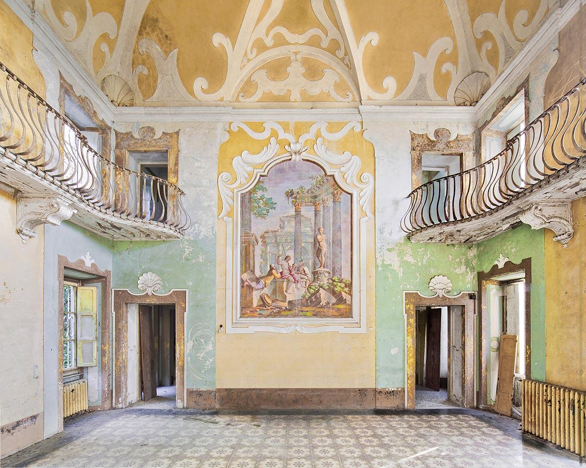 Abandoned Villa, Tuscany, Italy, 2012