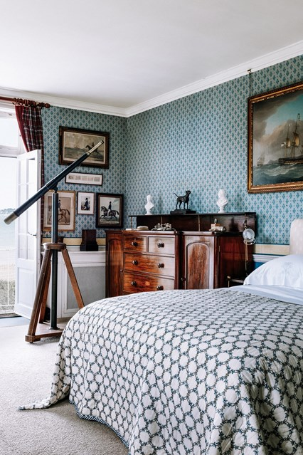 03-Décor Inspiration | Cadland House, Isle of Wight.jpg - This Is Glamorous.jpgDécor Inspiration: Cadland House, Isle of Wight