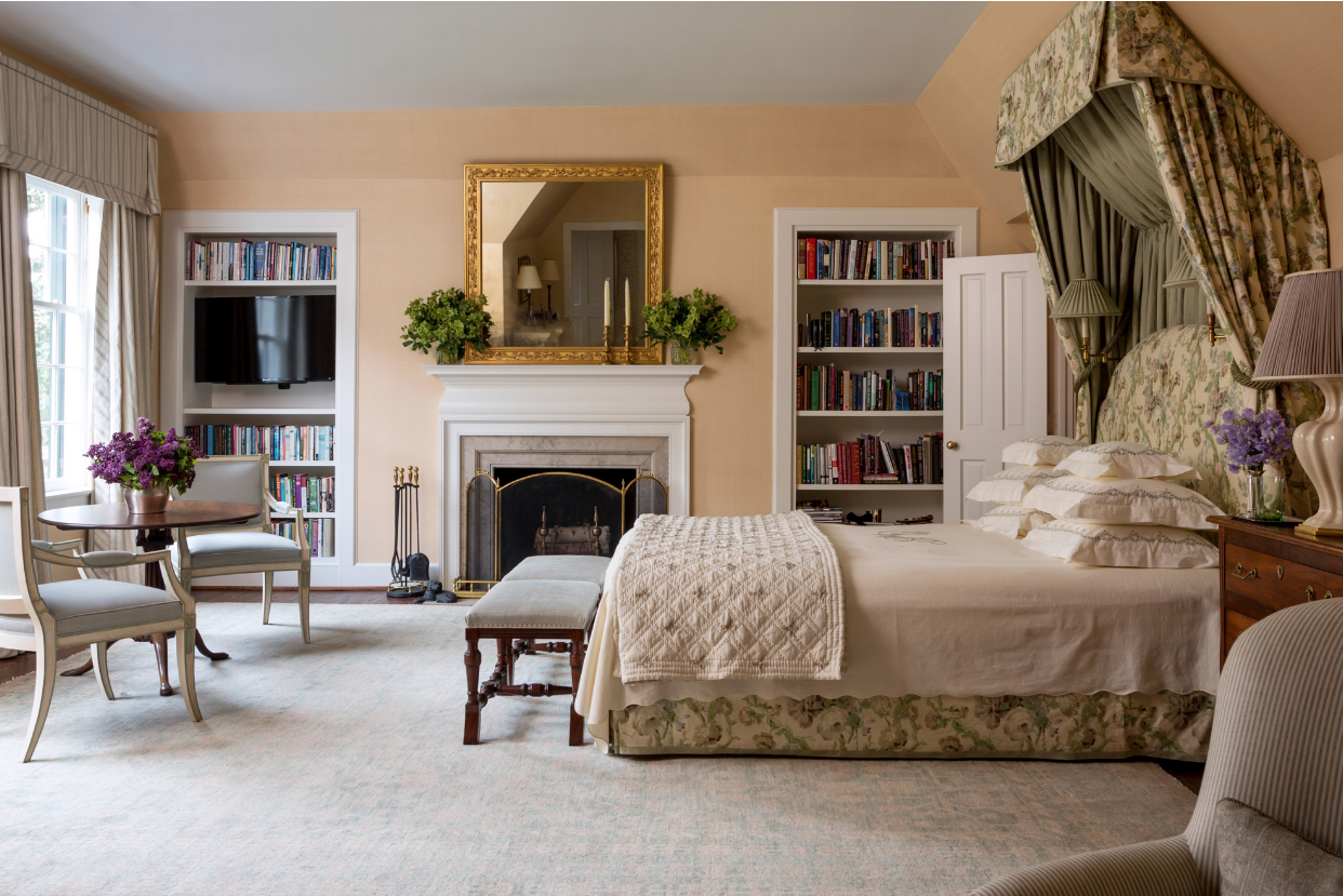 We first found out about the work of interiors photographer  Read McKendree  when  This Is Glamorous published  his most recent work . Of course, we needed to see more, and found our way to  his portfolio  and were not disappointed ...