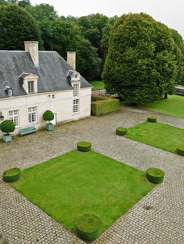 This Is Glamorous  featured the late Hubert de Givenchy's French country manor Château du Jonchet in 2016, but in light of his recent passing, we thought it might be lovely to revisit the place he adored so and was his final resting place ...