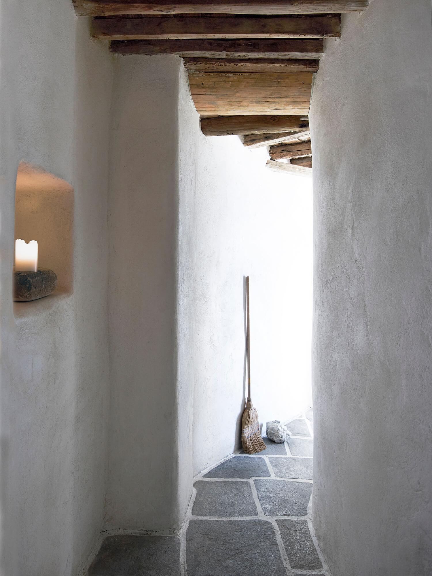 est-living-interiors-Milos-House-K-studio-7-2.jpg