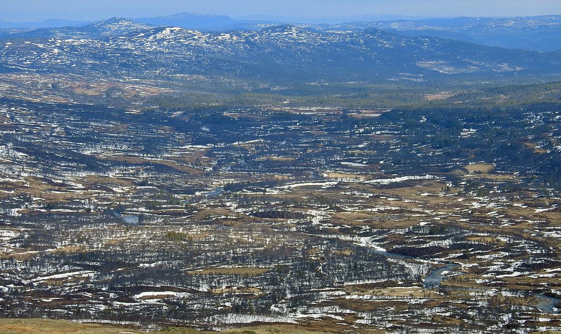 Endalen 4. mai; fotografert fra nord på Blåorfjellet. Foto: Ingebrigt Storli