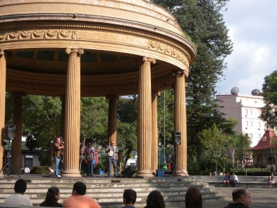 Random concert in San Jose. Parque Morázan