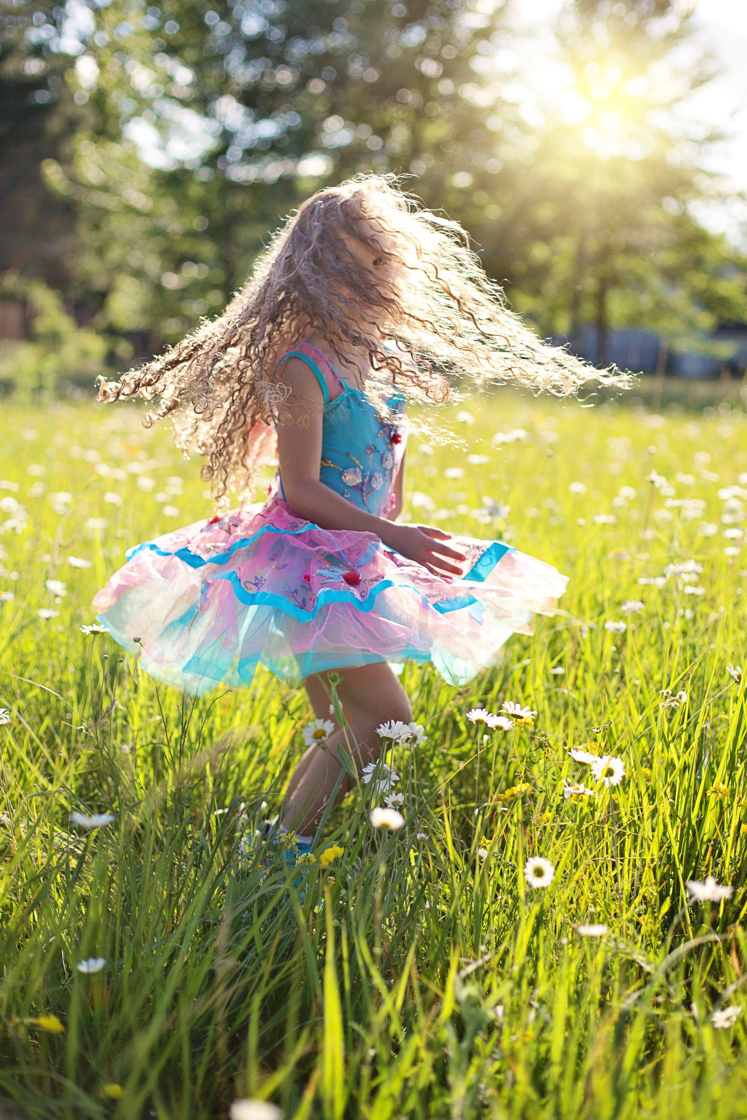 DANCE LIKE NOONE IS WATCHING (source pexels)