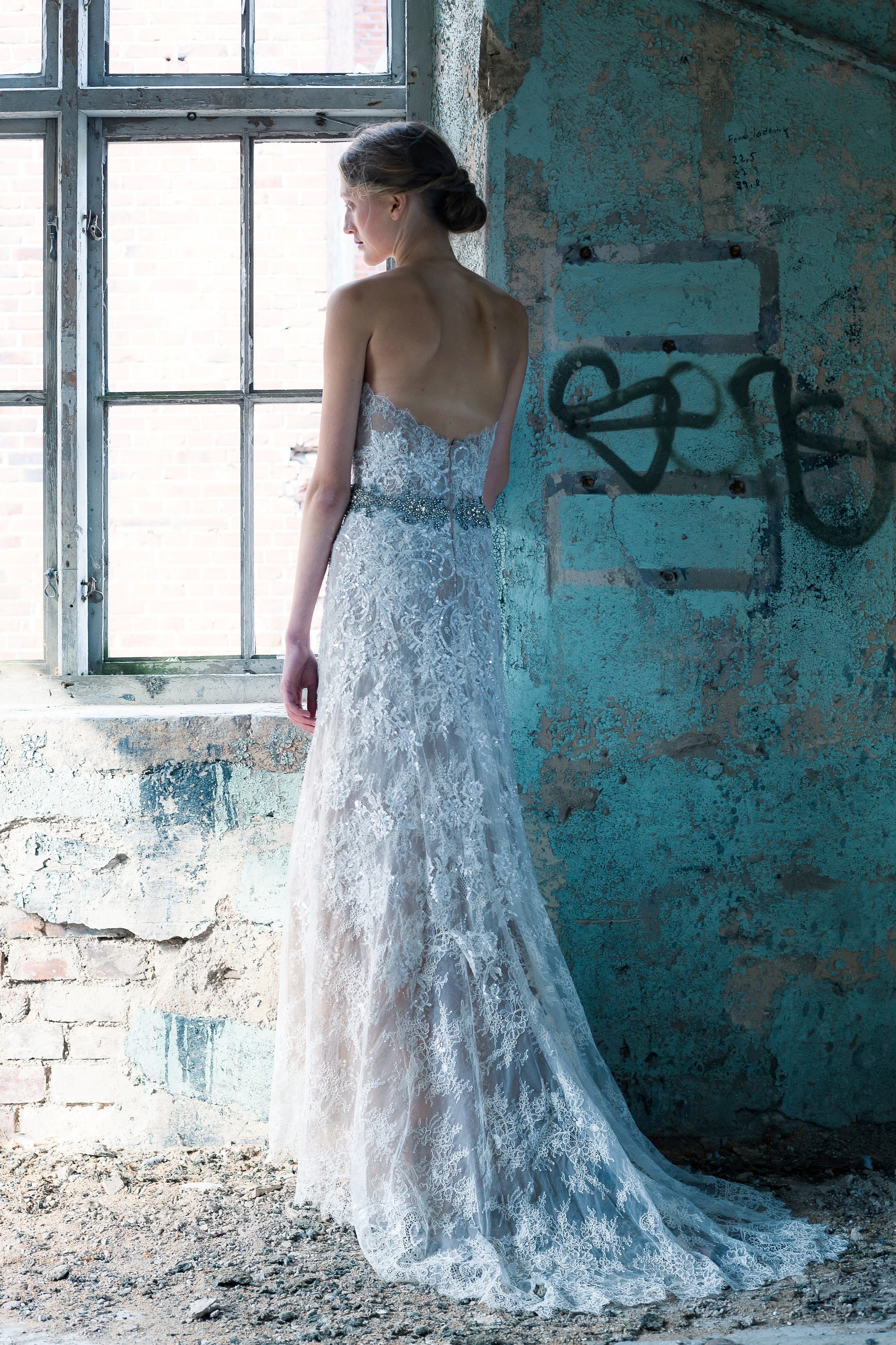 Caroline_fare_färe_villency_couture_wedding_dress.jpg