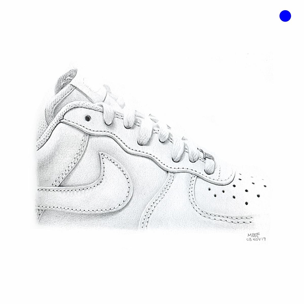 white_tennisshoe001.jpg