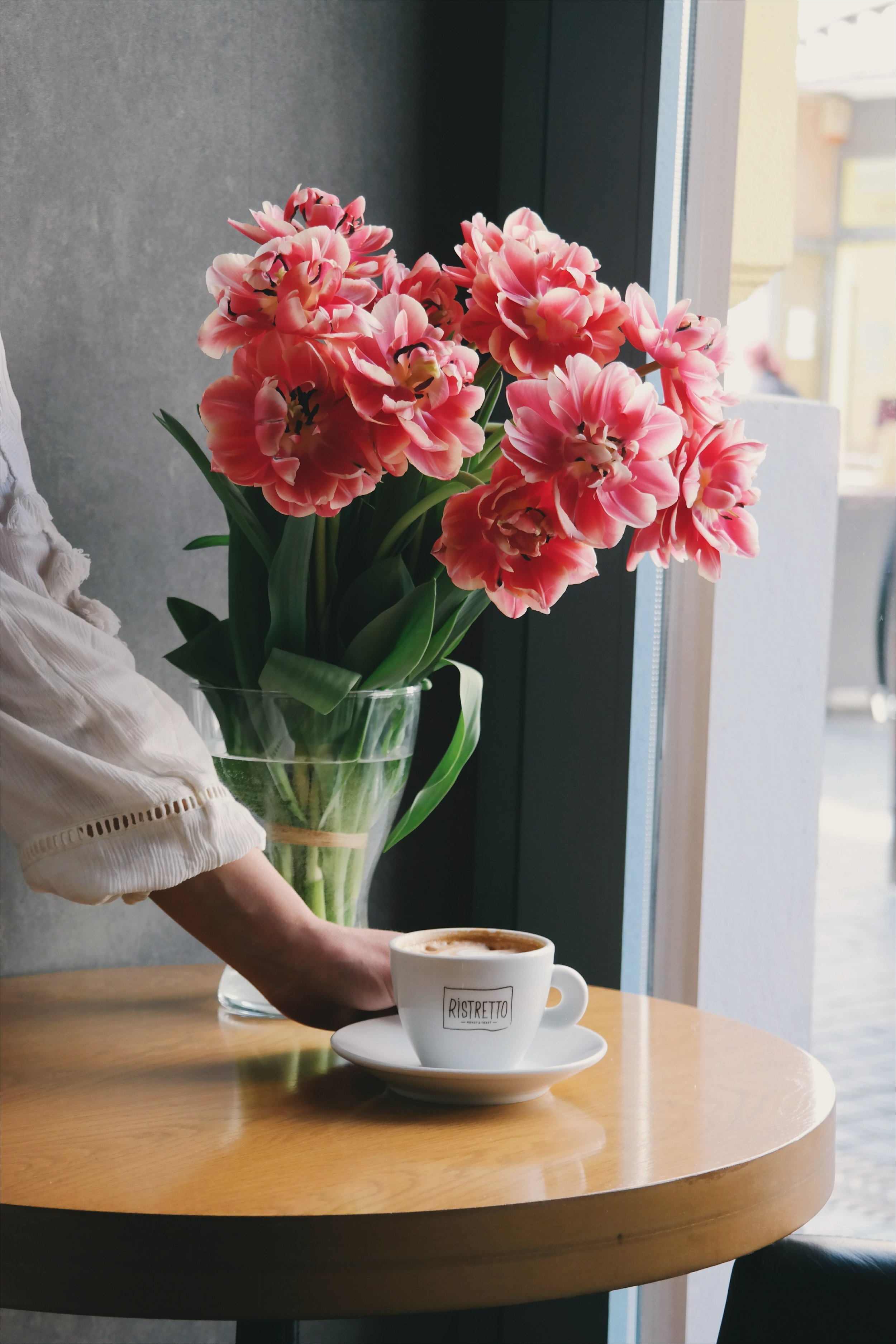 bouquet-bright-coffee-378006.jpg