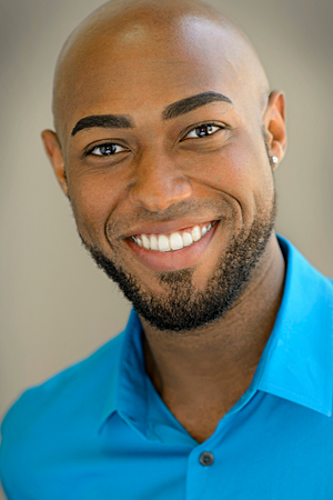 Darius Thomas,  tenor Dauber, the Artist