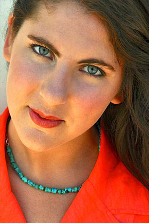 Jessie Neilson,  soprano Sadie Polock/Reporter