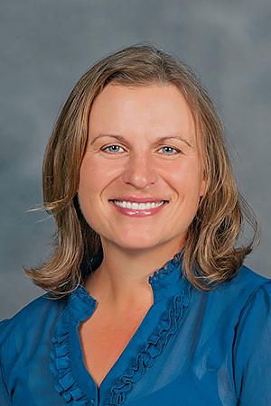 Angela DeBoer, horn