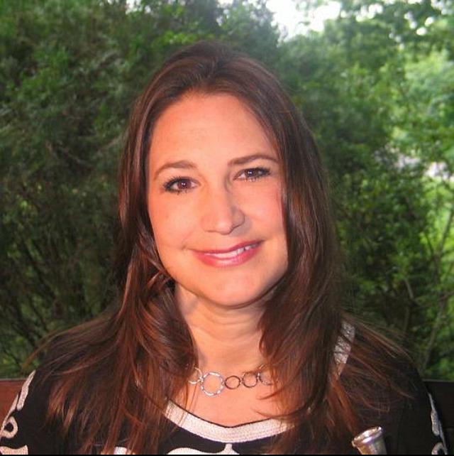 Jennifer Kummer, horn