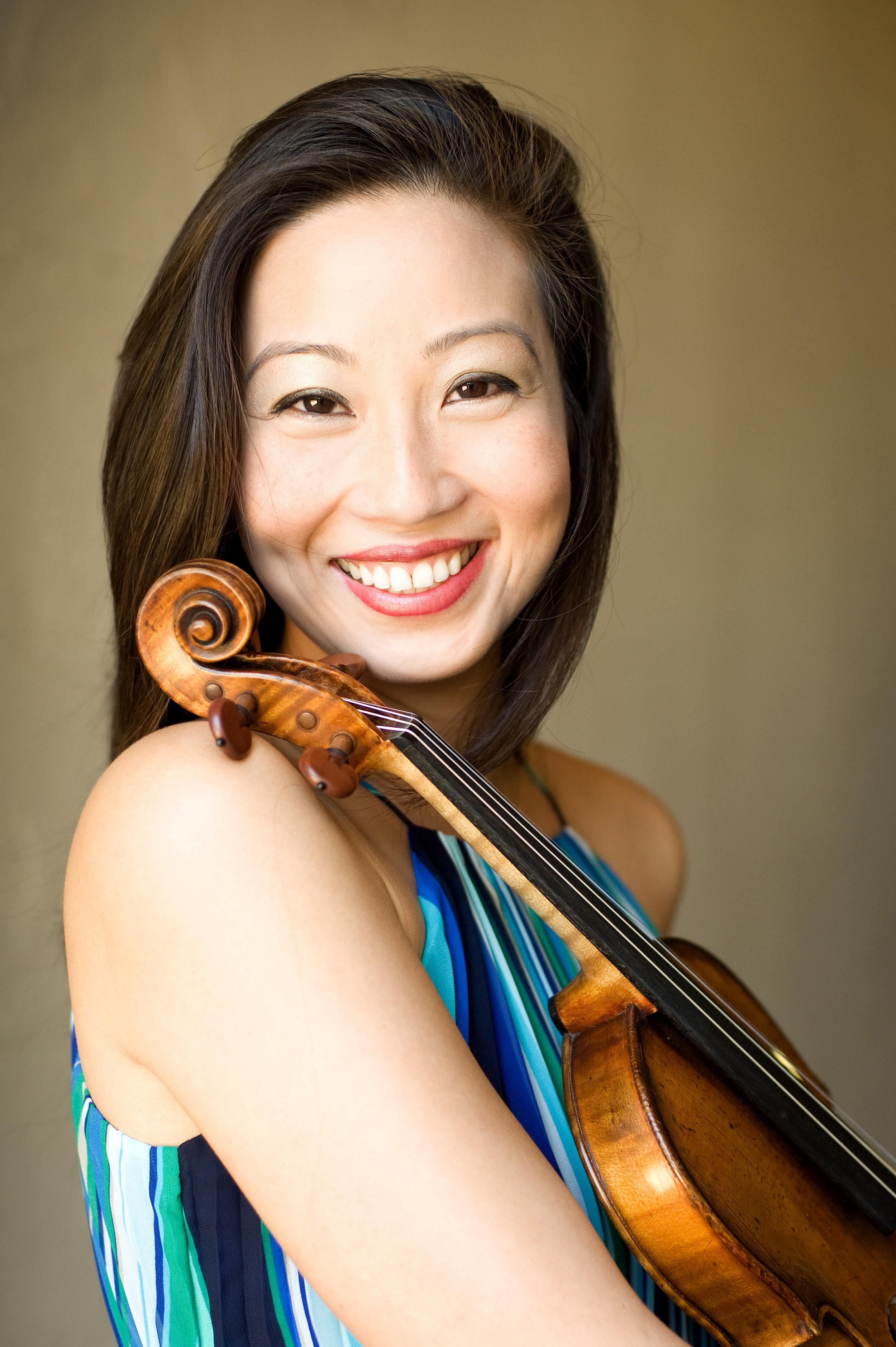 Ching-Yi Lin, violin