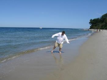 beachdance1.jpg