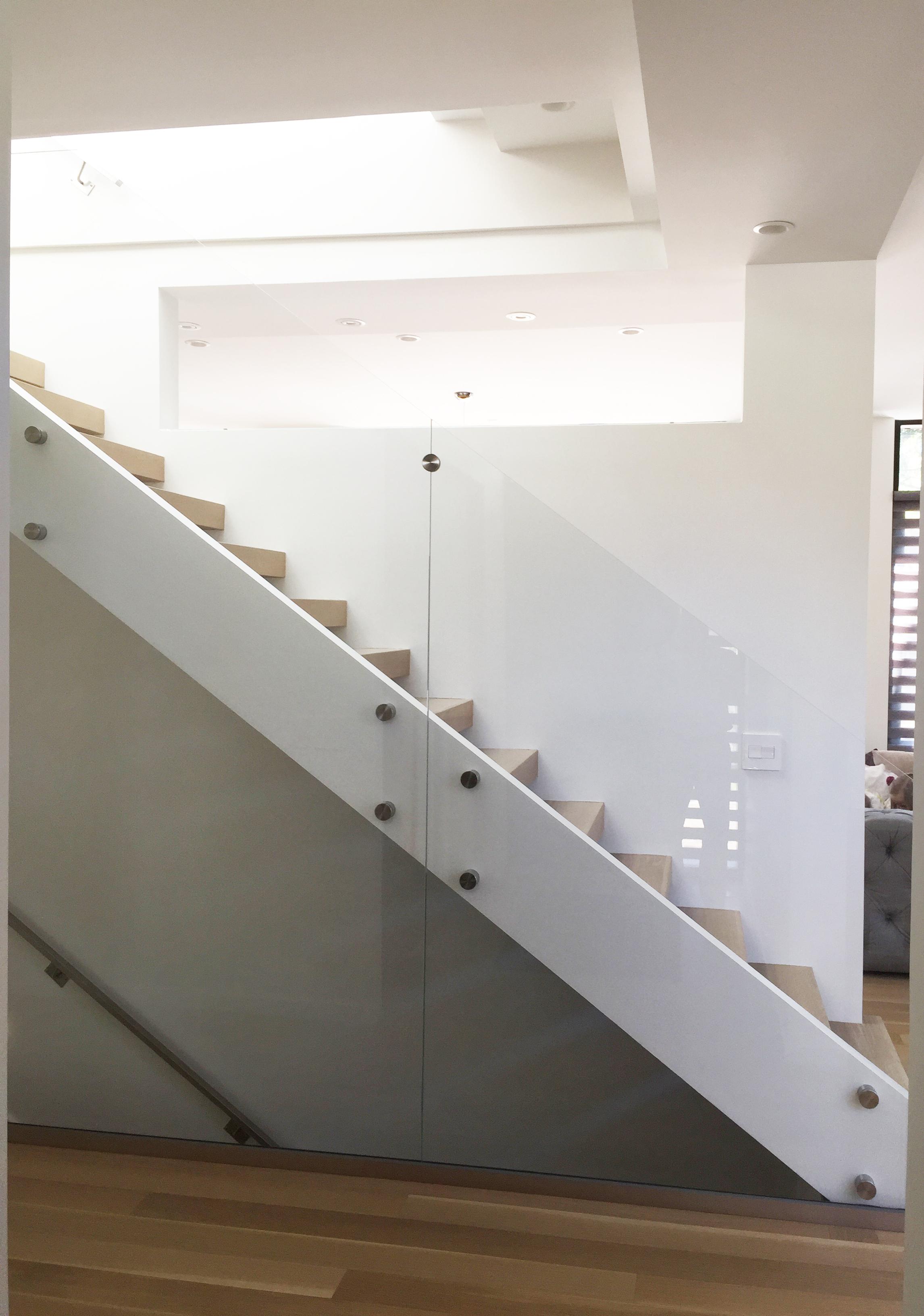 1408 De Leeuw_Final Photos_Stairs Glass.jpg