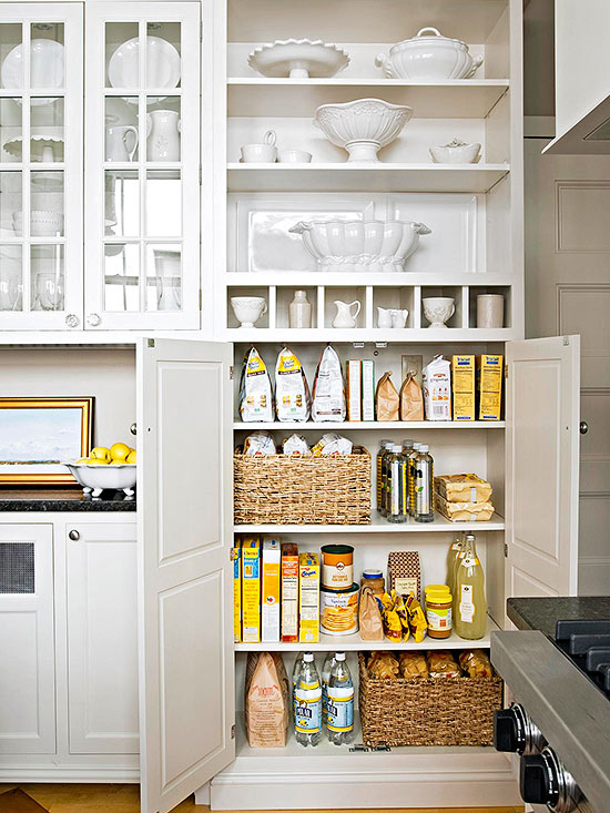 Better Homes and Gardens has lots of inspiring photos, plus month by month organizing guides to help keep you on track.