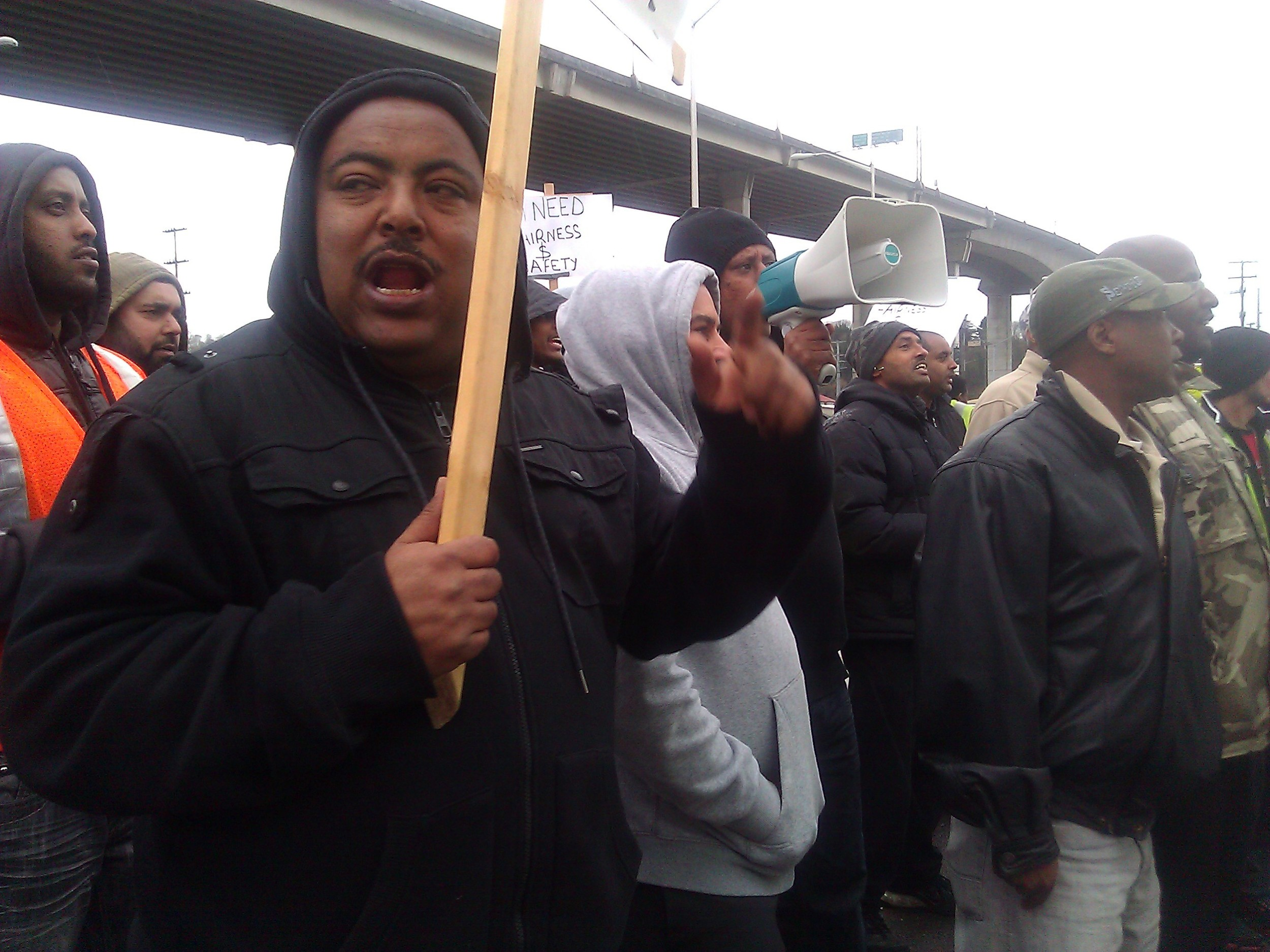 Port truck drivers protest unsafe work conditions