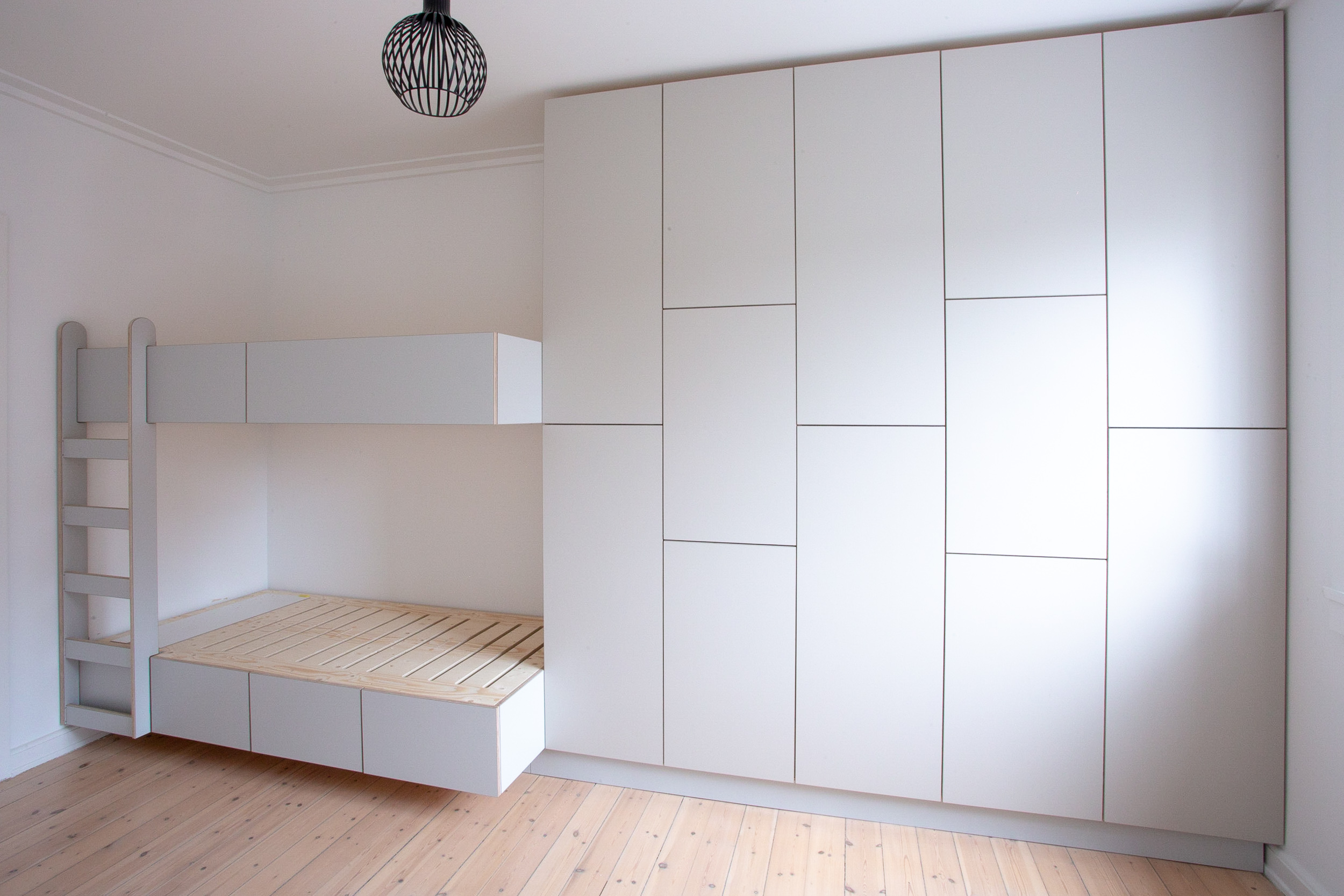 0930-a1h1-wardrobe-bunk-bed-ladder-kids-room-built-in-grey-minimal-stay-project-2500x.jpg