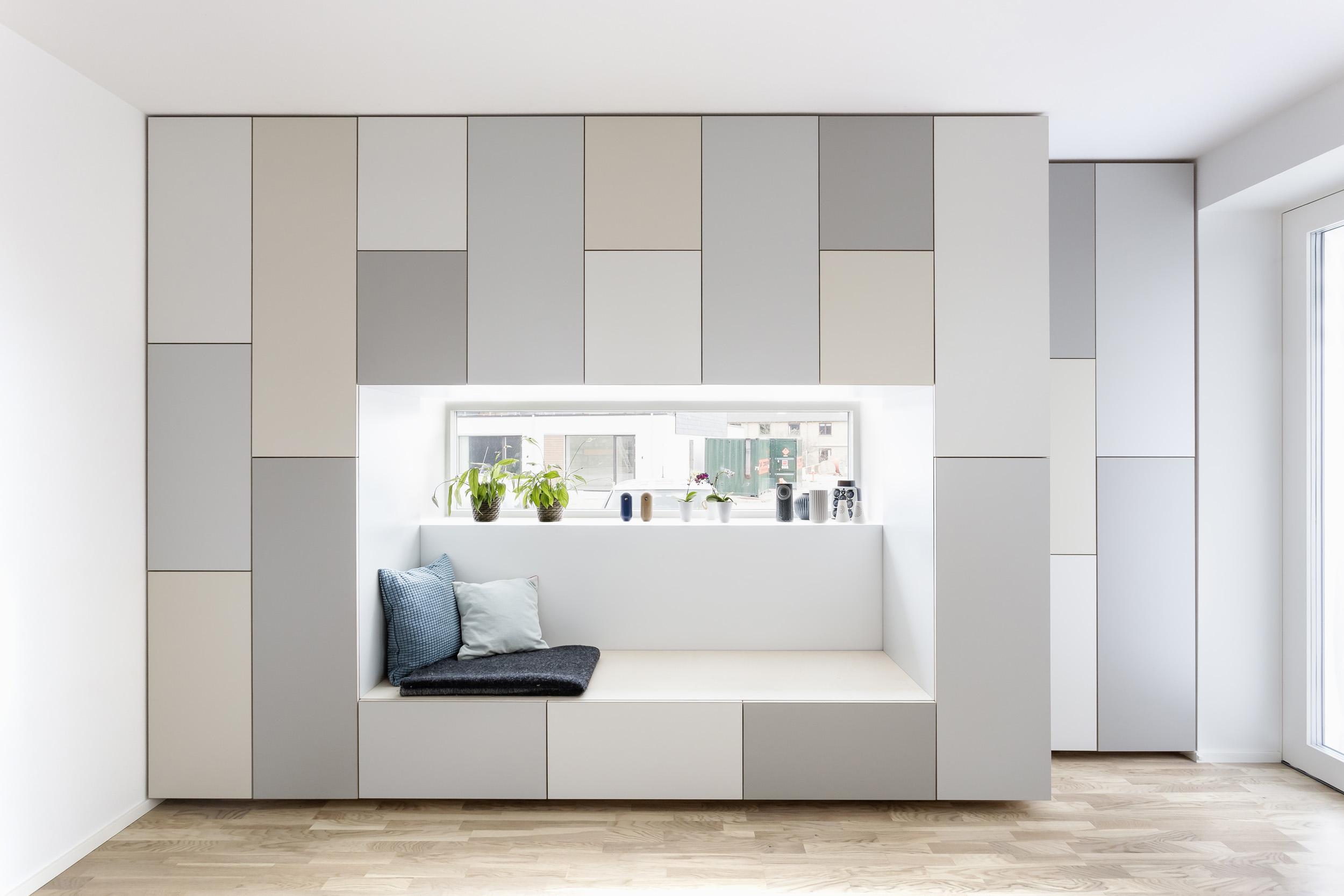 0314-m1h1-storage-wardrobe-daybed-window-family-grey-minimal-stay-project-2500x.jpg
