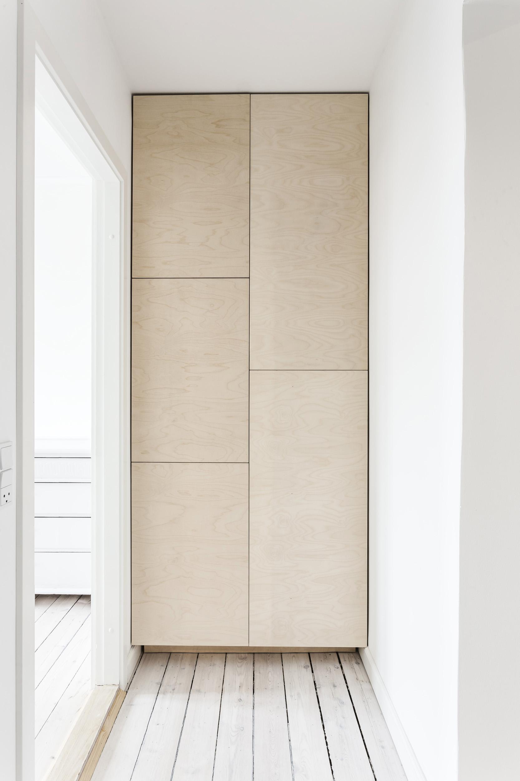 0129-m1v1-wardrobe-storage-entry-hall-cabinet-birch-buiilt-in-minimal-stay-project_1-2500x.jpg