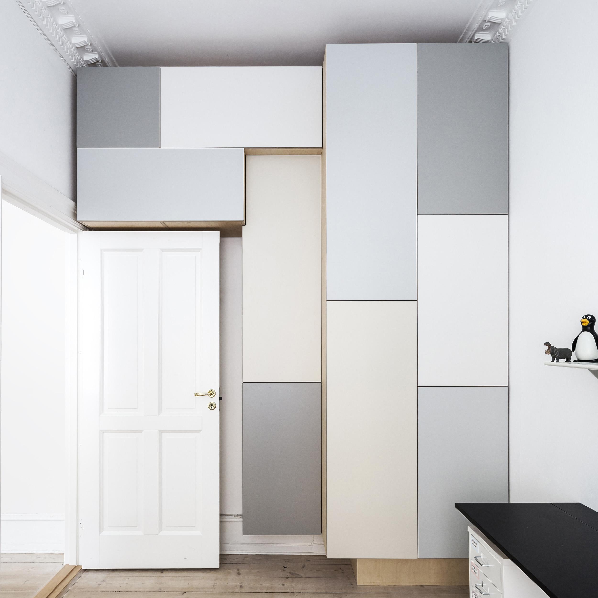 0138-m1s1-wardrobe-kids-room-built-in-grey-minimal-stay-project-2500x.jpg
