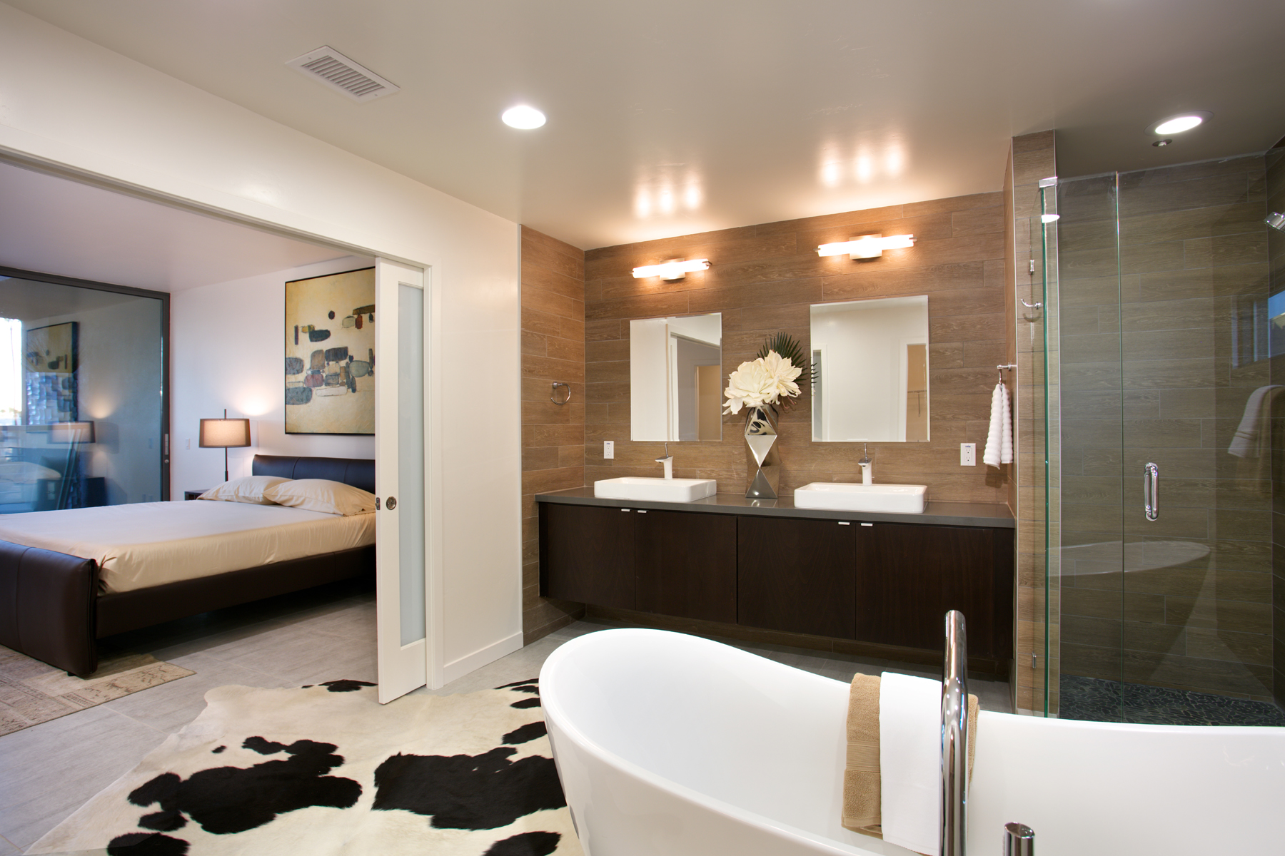 19-3871_16_Interior Bath.jpg