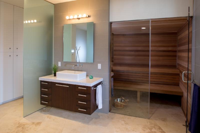 08-3804_14_Interior Master Bath.jpg