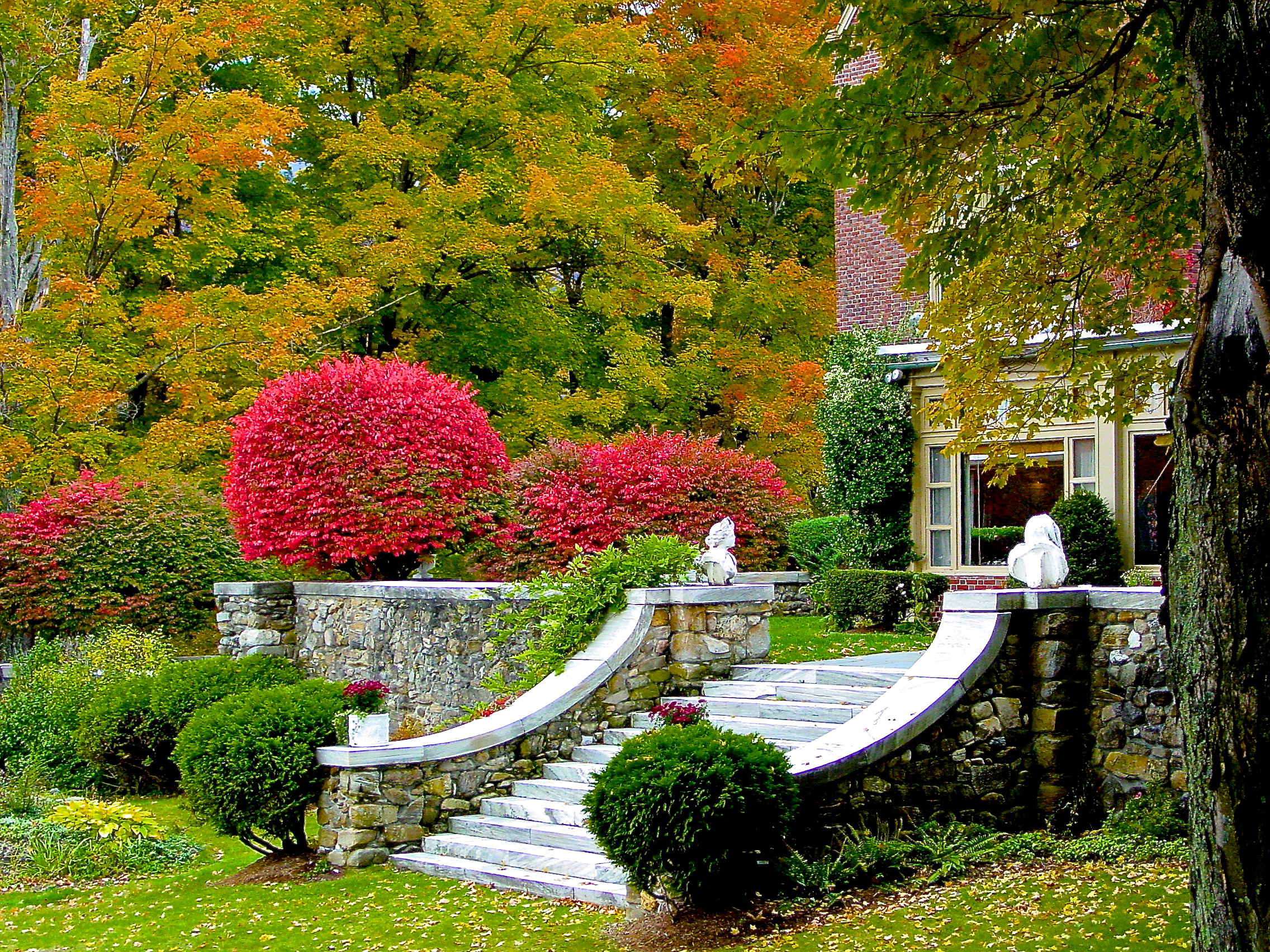Wilburton Inn Fall