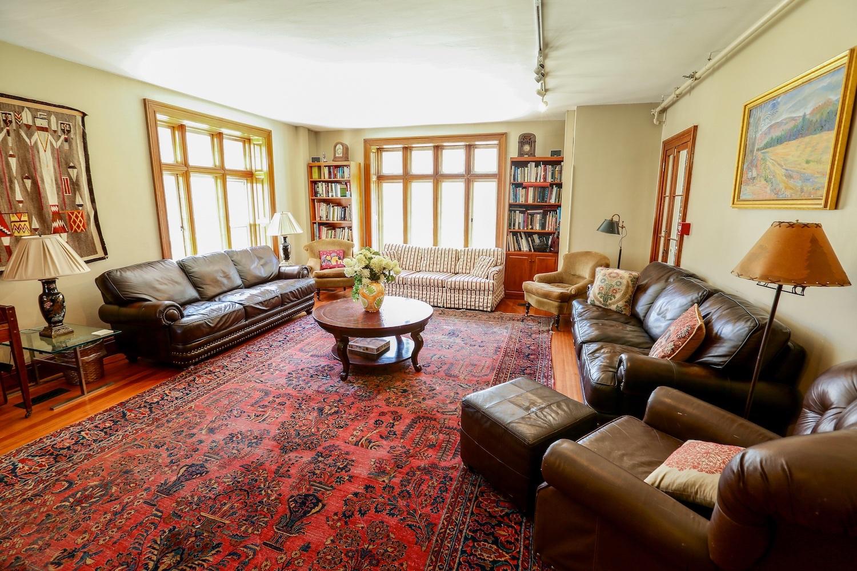 Living Room Master.jpg