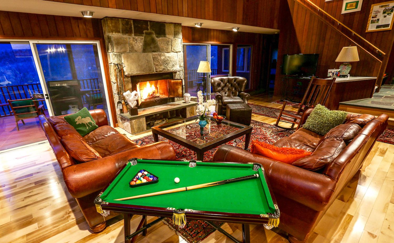 1 Green Mt House Living room fireplace.jpg