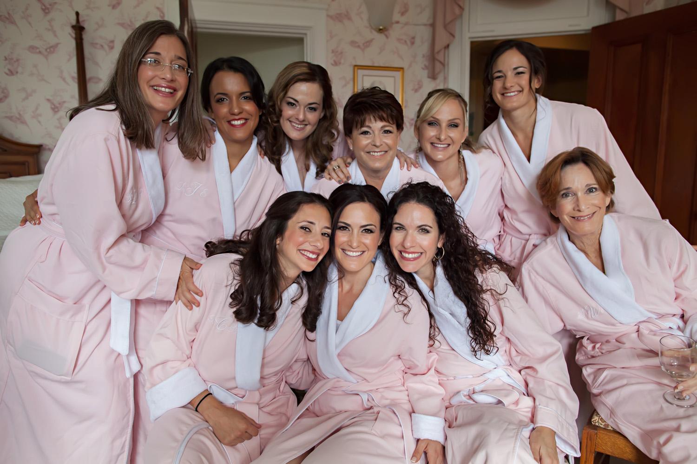 1_bridesmaids in the room.jpg