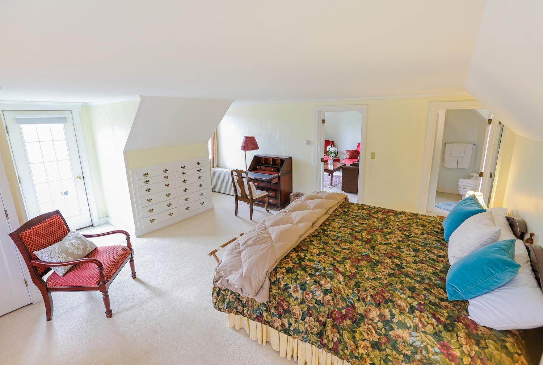 Room 35 king bedroom.jpg