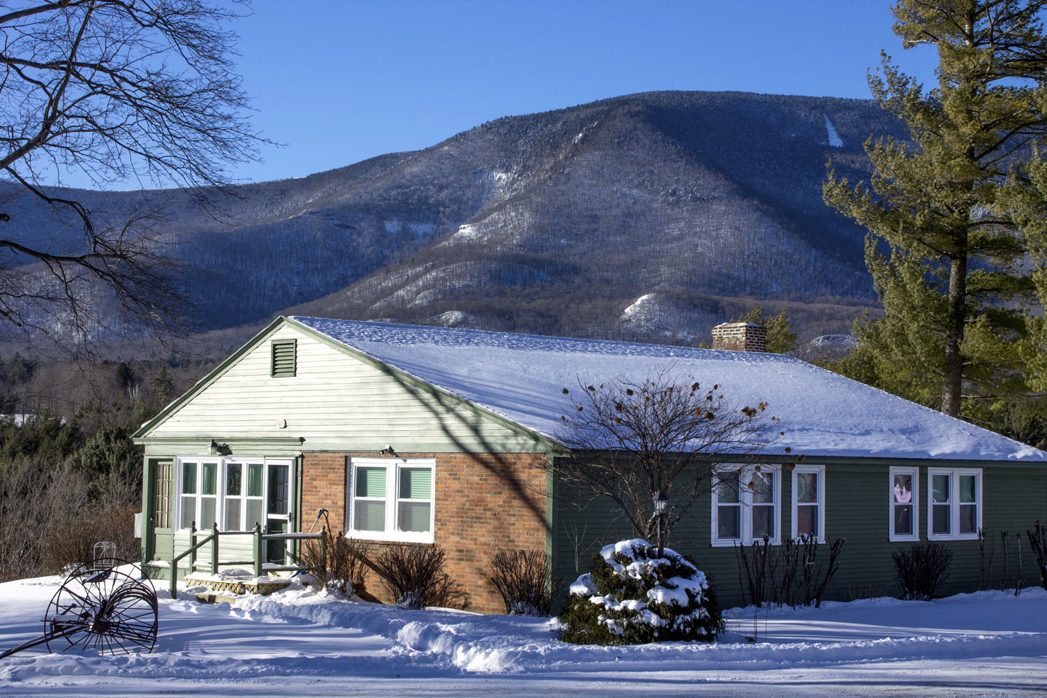 Winter Innkeepers Cottage.jpg