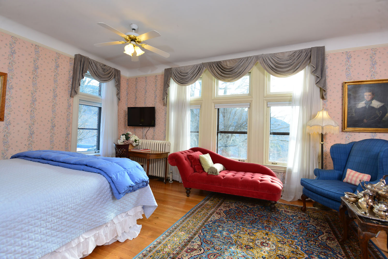 Room 6 bed windows .jpg