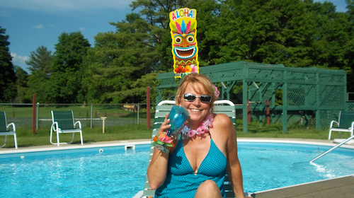 pool_side_drinks_Wilburton_Inn_VT.jpg