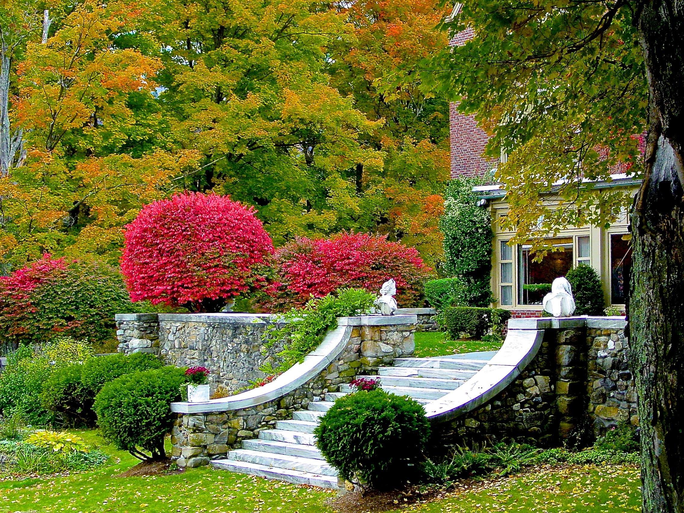 Wilburton stairs autumn.jpg