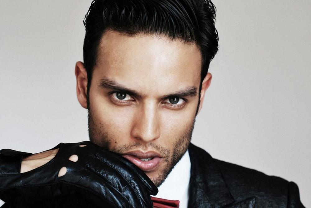 Alexis wears a suit, shirt and leather driving gloves by  Simon Spurr  and bow-tie by    Timo Weiland .