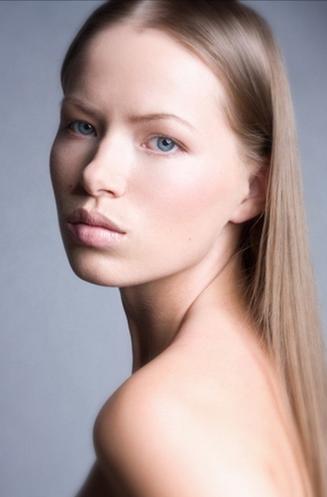 Dagmara Sw17Pearl Model Management.png