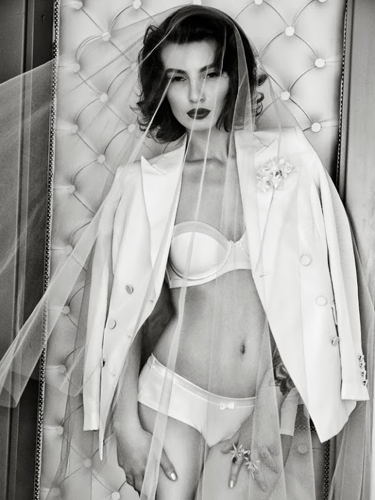 Eliza Trumpe 19 Pearl Model Management.jpg