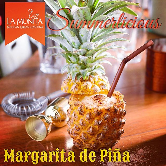 Refreshing the hot day with Margarita de Piña, blended fresh pineapple with our signature margarita. Only at available La Monita Mexican Urban Cantina @emquatier #margarita #cocktails #summerdrink #summerlicious