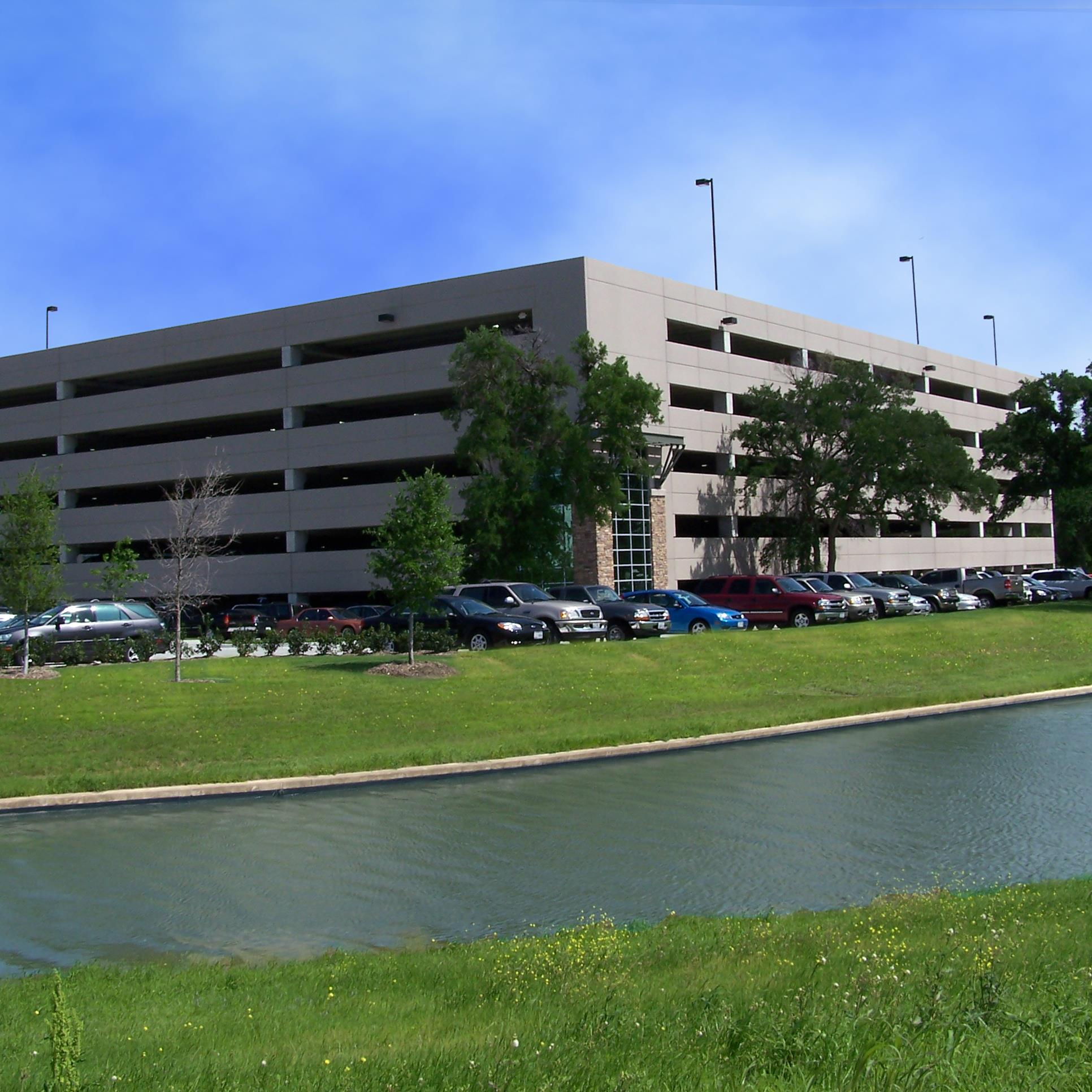 Myers & Crow Lake Vista Parking Garage