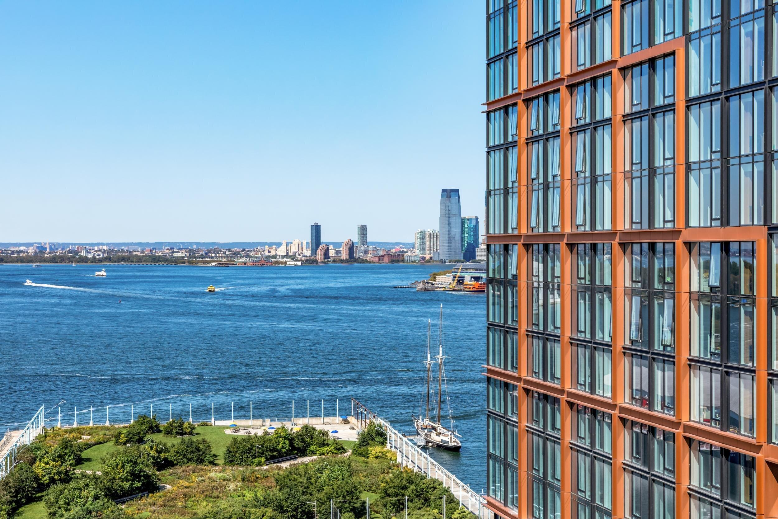 Marmol Radziner sprinkles SoCal style onto Brooklyn high rise Quay Tower
