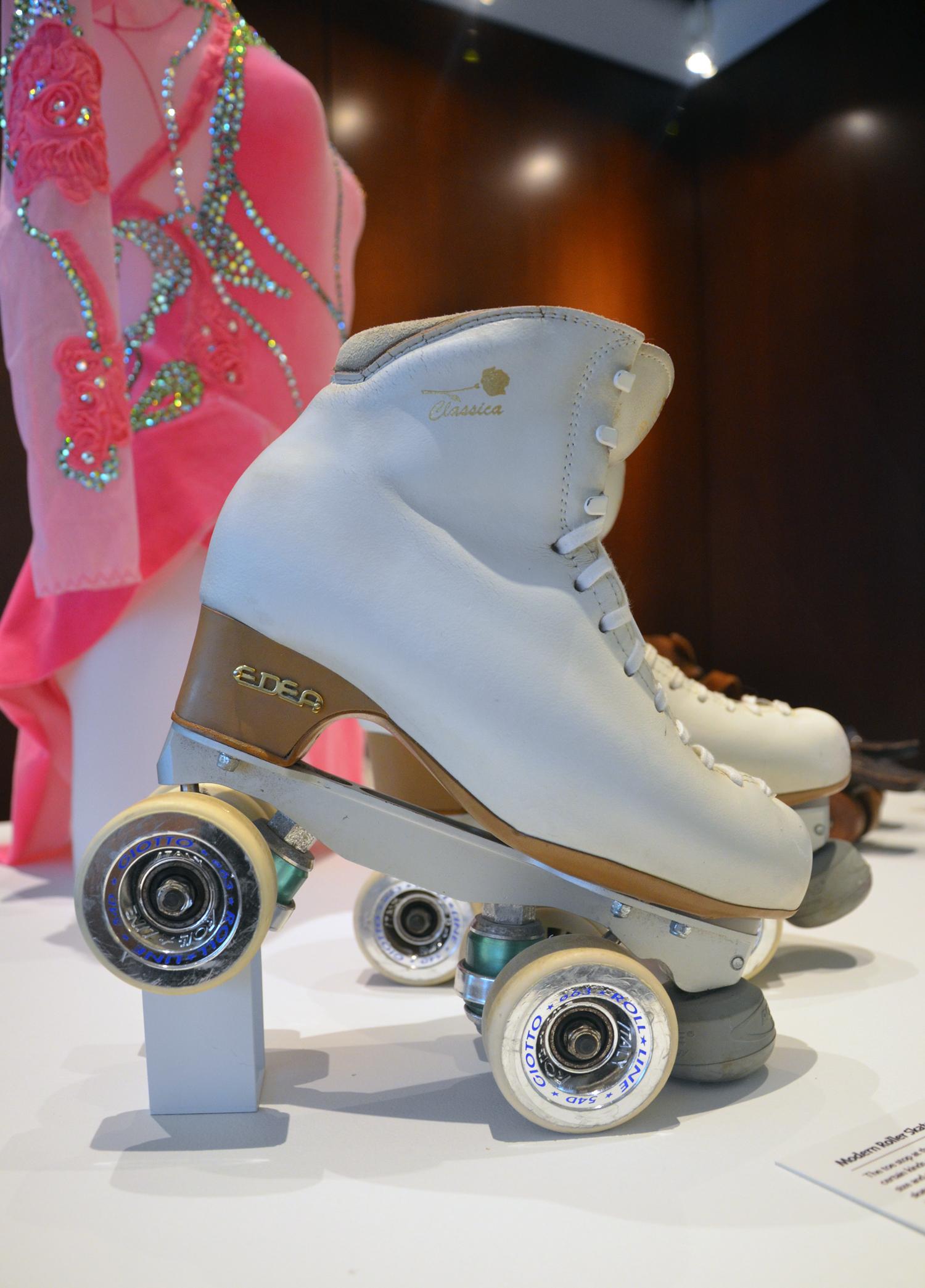 white skate2.jpg