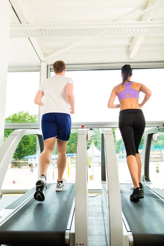 people-running-on-treadmill-side-by-side.jpg