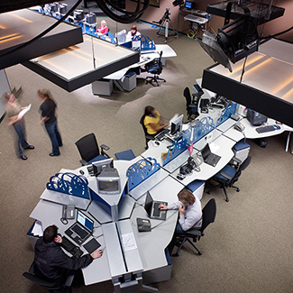Hum. Minds at Work. workstations with Approach seating