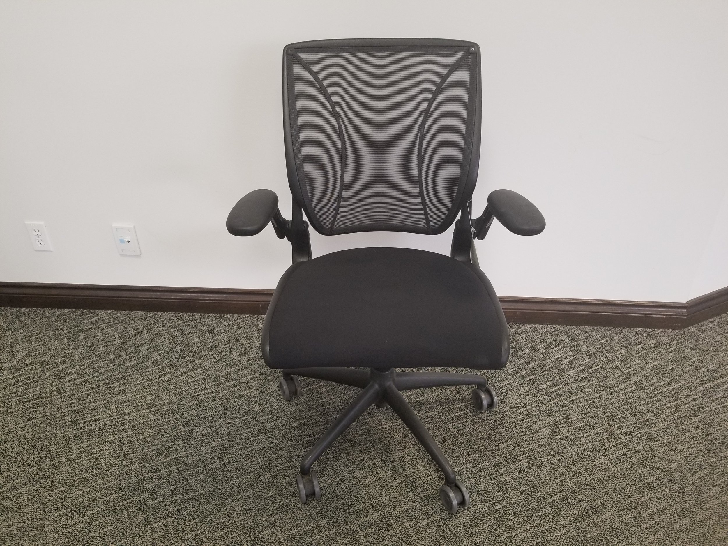 DIFFRIENT TASK Chair