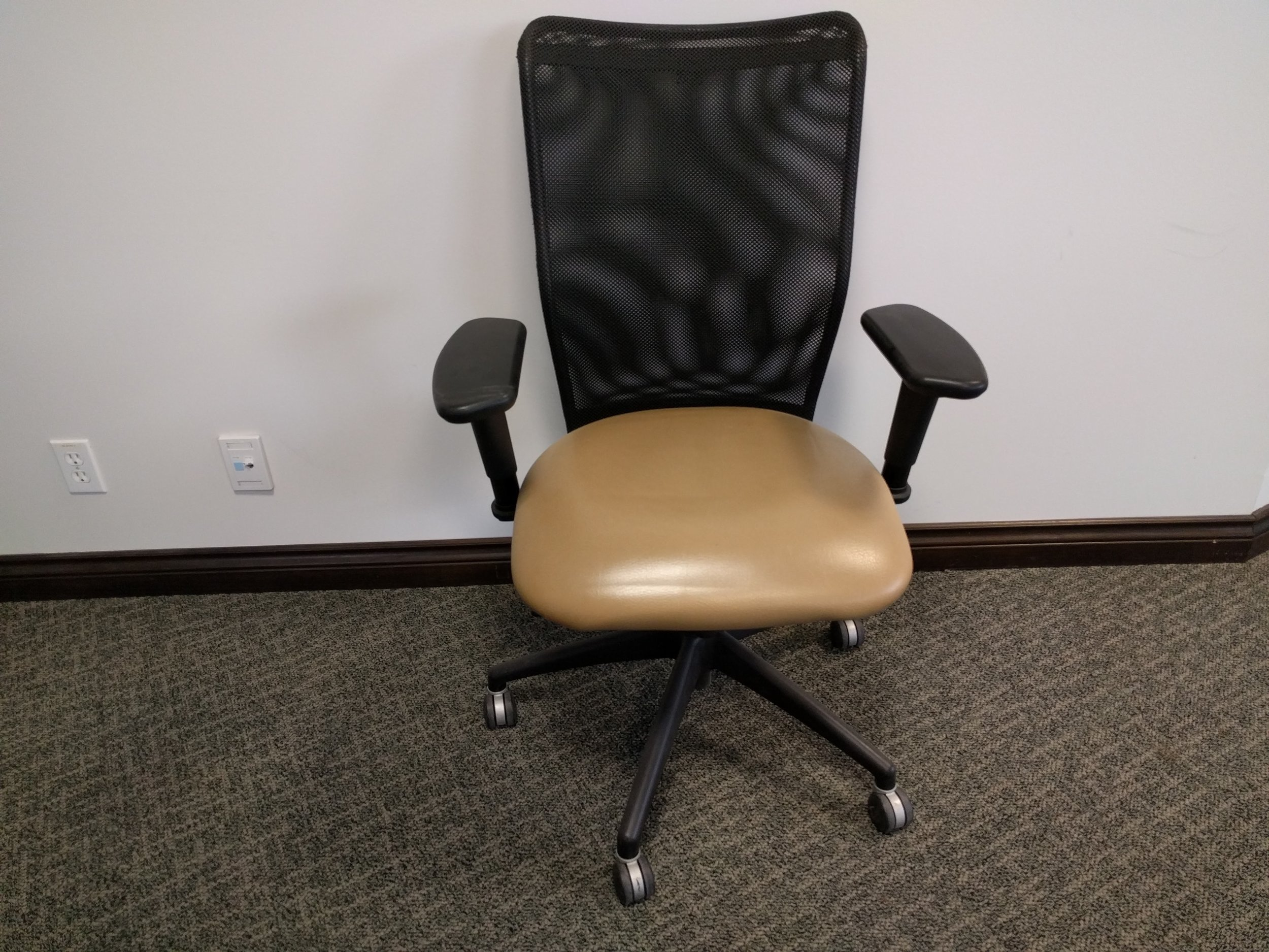 INERTIA task Chair